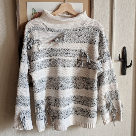 Lou & Grey Sweaters - Lou & Grey // oversized fringe knit sweater